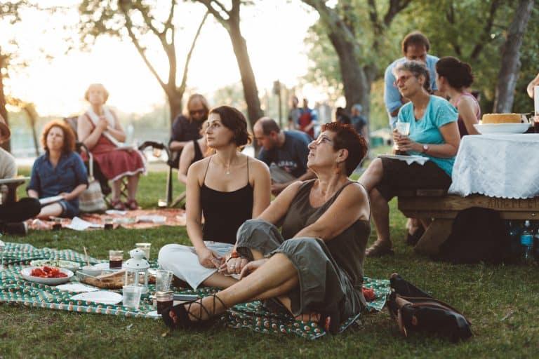 Makhn A Piknik: A Yiddish Poet's Feast